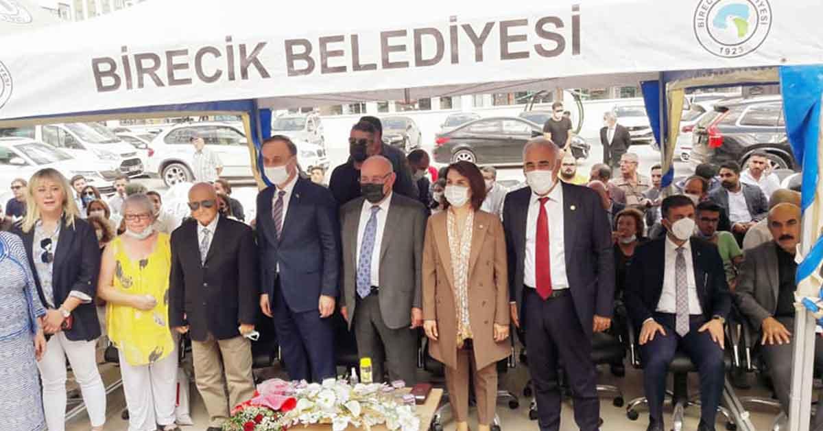Aydınlık Birecik'te Okulların Açılış Törenine Katıldı