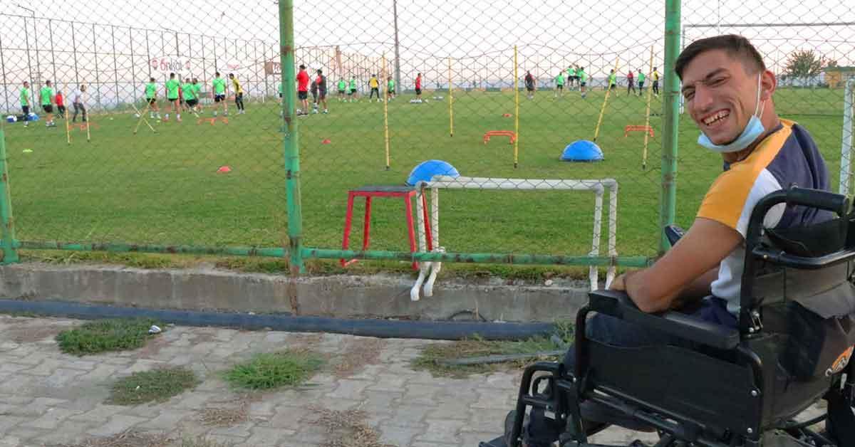 Engelli Taraftarın Urfaspor aşkı engel tanımıyor!