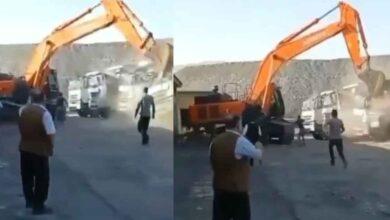 Photo of Kepçe Operatörü, Kamyonları Hurdaya Çevirdi